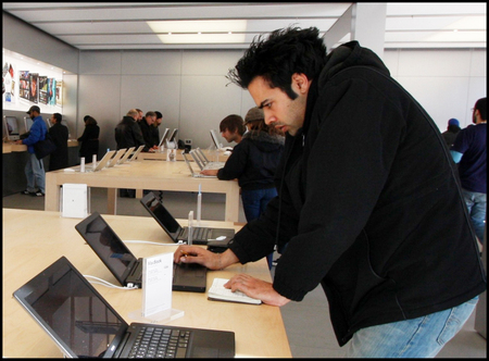 Apple_store_nyc_14th_street_16_co_4